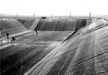 Ranch reservoir Lining project, Kenya, 1970